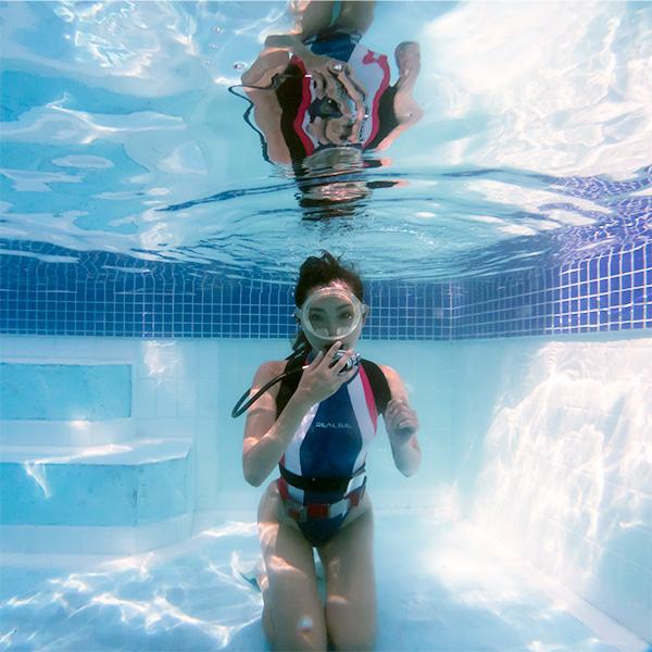 Antique Scuba | Under water Photographer & Scuba Evangelst